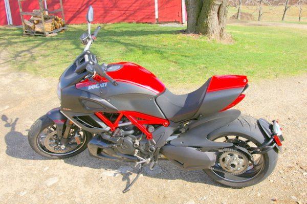 1-Ducati Dia... Facebook Hudson Ducati