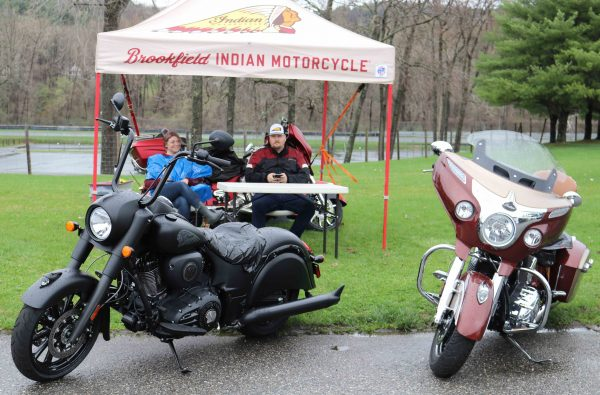 Rainy Weather Doesn T Dampen Spirits At Ride1 Rally